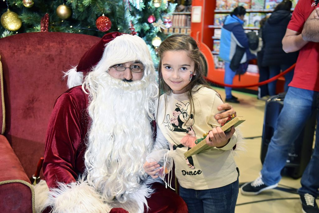 Santa Visits Hamleys